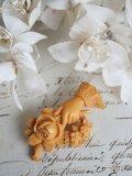 Broche Main Roses