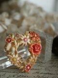 Broche Coeur/fleurs celluloid
