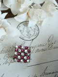 "Broche ""Caree/rouge"""